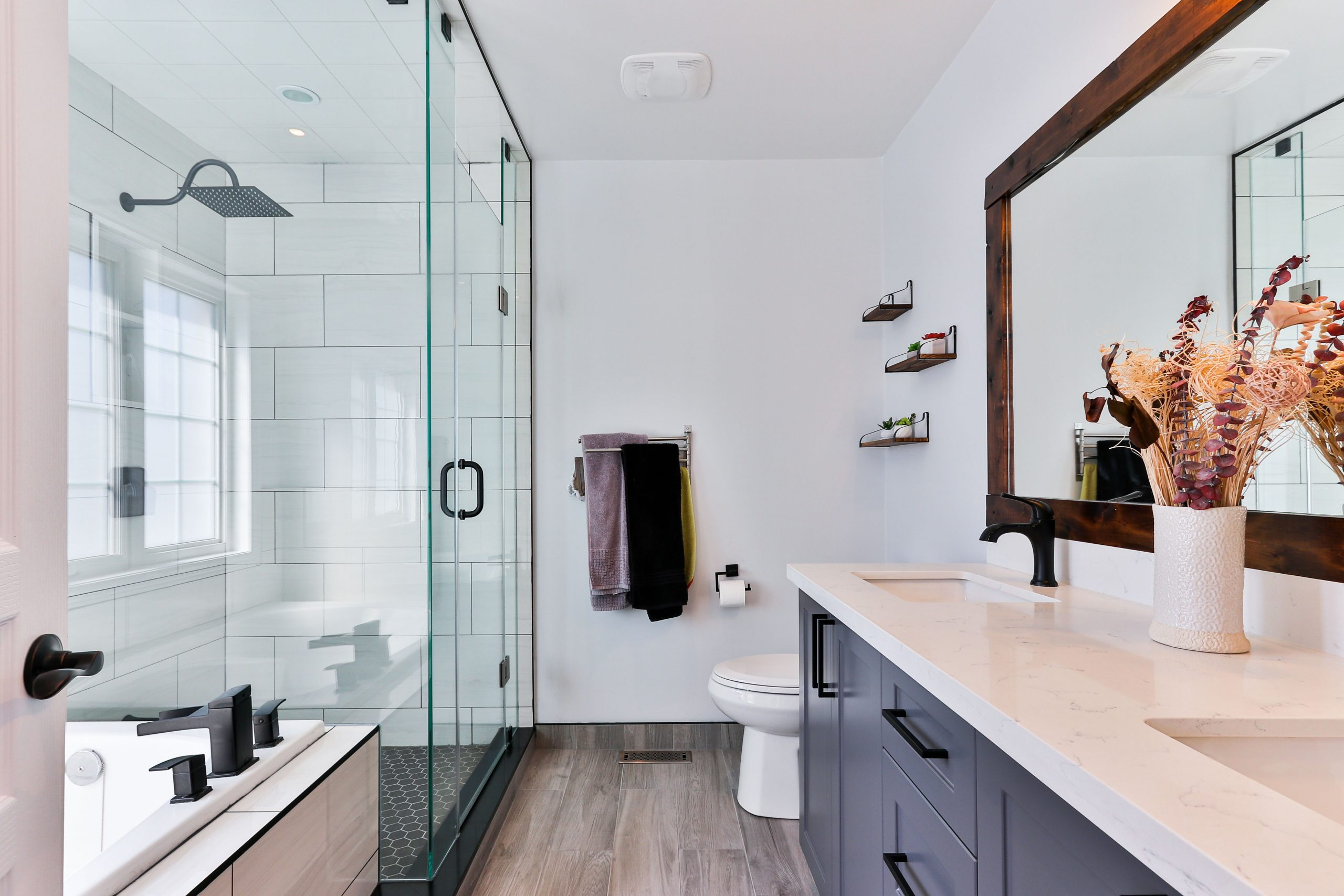 Make Your Bathroom Floors Safer & Convenient With Vinyl
